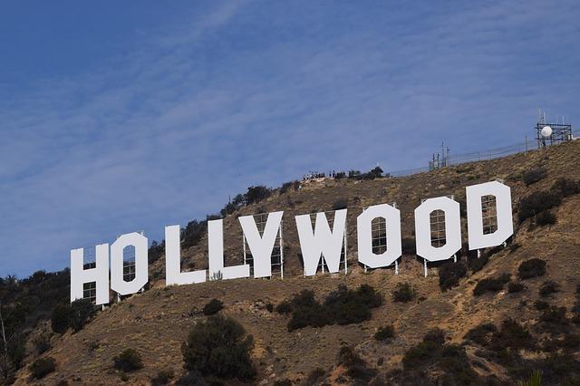Hollywood gyászolja Kirk Douglast